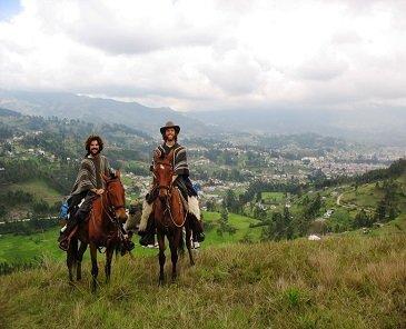 cotopaxi, cayambe, chimborazo, illinizas, trekking, escalada